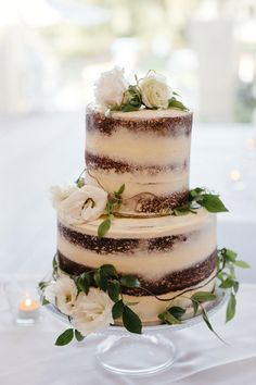Red velvet and cream cheese - nude cake with fresh flowers