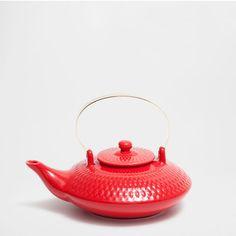 Chaleira porcelana relevo cor vermelha