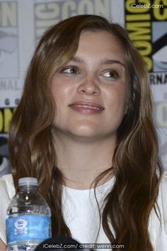 Sophie Cookson Comic-Con International: San Diego 2014 - 'Kingsman: The Secret Service' - Discussion Panel http://www.icelebz.com/events/comic-con_international_san_diego_2014_-_kingsman_the_secret_service_-_discussion_panel/photo2.html