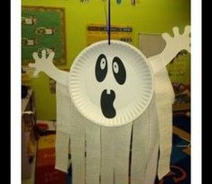 Looking for the Halloween Crafts? Find fun and easy Halloween craft ideas for kids and adults right here!This page has a lot of free Halloween and fall craft idea for kids,parents and preschool teachers. Theme Halloween, Cheap Halloween Decorations, Halloween Arts And Crafts, Halloween Projects, Halloween Diy, Easy Decorations, Halloween Crafts Kindergarten, Halloween Crafts For Toddlers, Diy Projects