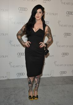 Tattoo Removal - 12 Celebrities Who Had Tattoos Removed Skin Color Tattoos, Green Tattoos, Red Ink Tattoos, Light Brown Tattoos, Brown Tattoo Ink, Tattoo Eraser, Deep Tattoo, Tattoo Removal Cost, Tattoo Cream