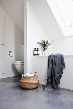 Betongulv på badeværelset - LEI LIVING