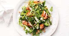 Spiced salmon with chickpea, broccoli and rocket salad with yoghurt dressing - sub salmon for chicken Vegetarian Stir Fry, Vegetarian Nachos, Vegetarian Dinners, 800 Calorie Diet, Low Calorie Recipes, Diet Recipes, Lunch Recipes, Quick Kimchi, Healthy Zucchini Fritters