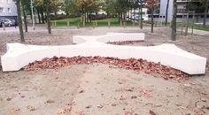 Banquette en beton Folia, Guyon, mobilier urbain / Folia concrete bench, Guyon urban furniture Concrete Bench, Urban Furniture, Benches, Sidewalk, Landscape, Stylish, Design, Landscaping, Urban