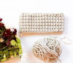 messy-bun-ear-warmer-crochet-pattern
