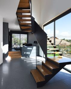 Wo House / SO Architecture Beautiful staircase//