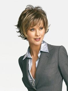 Long sweeping layers on the top and sides blend with short textured layers in back for a no-fuss contemporary silhouette. #ultimatewigs