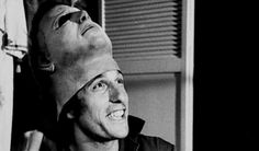 halloween behind the scenes - Nick Castle as Michael Myers Halloween Movie 1978, Halloween Look, Halloween Series, Halloween Makeup, Michael Myers Actor, Michael Myers Memes, Scary Movies, Horror Movies, The Scene Aesthetic