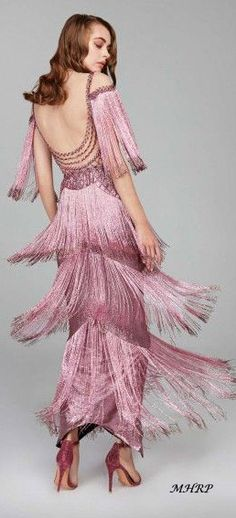 themakeupbrush: Hamda Al Fahim F/W Bow fashion Pink Fashion, Couture Fashion, Vintage Fashion, Beautiful Gowns, Beautiful Outfits, Look Retro, Gatsby, Look Chic, Couture Dresses