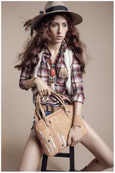 NAJHA TELDE - Saiba mais em www.najha.com # facebook# instagram # pinterest# najhabags # modaemcortiça # cork # Bohemian, Facebook, Instagram, Style, Fashion, Fringes, Woman, Templates, Swag
