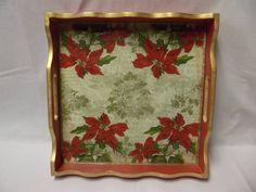 Bandeja quadrada grande em MDF, decorada com decoupagem de Natal e protegida com vidro. Fica linda para decorar a mesa de Natal. R$ 60,00