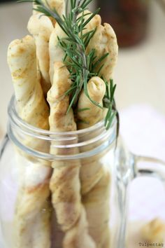 Parmesan-Kräuter-Grissini ähnliche tolle Projekte und Ideen wie im Bild vorgestellt findest du auch in unserem Magazin . Wir freuen uns auf deinen Besuch. Liebe Grü�