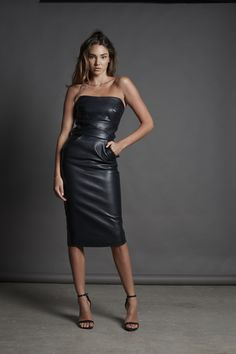 What results are special occasion items that are elegant but edgy Pretty Dresses, Sexy Dresses, Fashion Dresses, Look Fashion, Girl Fashion, Leder Outfits, Latex Dress, Leather Dresses, Dresses With Leggings