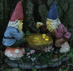 A laughing garden gnome figure give a joyful outlook on your yard or garden the whole day. Get the sweet smiling garden gnomes yet! Yard Gnomes, Gnome Village, Gnome House, House 2, Gnome Garden, Garden Fun, My Secret Garden, Fairy Land, Fairy Houses