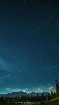 #Starry night ~ETS Nature Wallpaper, Screen Wallpaper, Cool Wallpaper, Mobile Wallpaper, Wallpaper Backgrounds, Iphone Wallpaper, Wallpaper Edge, Phone Lockscreen, Beautiful Sky
