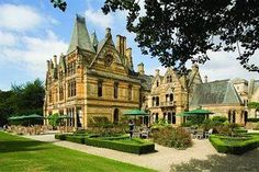 Ettington Park Hotel - 48 bedroom luxury country house hotel situated in the northern Cotswolds, just outside historic Stratford-Upon-Avon. 40 acres of beautiful grounds, 2 AA rosette dining and stunning leisure facilities Norton House, Gothic Mansion, Spa Hotel, Loire Valley, Hotel Wedding Venues, Stratford Upon Avon, Haunted Hotel, Country House Hotels, Ghosts
