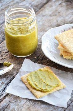 Patê verde feito com alho frances
