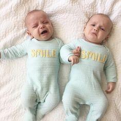 """-""""Ha empezado él..."""" - """"No mamá ha sido él..."""" A cuantas nos ha pasado? :D  #bebenube #bebé #mamá #canastilla #bebeabordo #comomola #baby #maternidad #babyboy #babygirl #instamami #instababy #bebes #mamaprimeriza #embarazo #dulceespera #embarazofeliz #mamafeliz"""