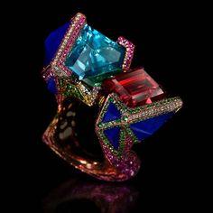 """My Dreams rengas Wallace Chan mukana akvamariini, tourmalines, Lapislatsuli, tsavoriitti granaatti ja vaaleanpunainen safiireja ❤️💙💛💕💎💚💜❤️💙💛💕💎💚💜❤️💙💛💕💎💚💜"" High Jewelry, Luxury Jewelry, Jewelry Art, Gemstone Jewelry, Jewelry Design, Jewellery, Garnet Jewelry, Unique Rings, Unique Jewelry"