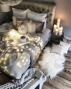 Home Styles cozy bedroom ideas; bedroom decor ideas for teens; Small and warm cozy bedroom ideas; Comfy Bedroom, Boho Bedroom Decor, Small Room Bedroom, Girls Bedroom, Modern Bedroom, Master Bedroom, Bed Room, Contemporary Bedroom, Bedroom Inspo
