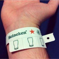Heineken found a great way to keep track of their audience's beer intake whi. Heineken found a Experiential Marketing, Guerilla Marketing, Event Marketing, Marketing And Advertising, Marketing Quotes, Sports Marketing, Marketing News, Advertising Campaign, Business Marketing