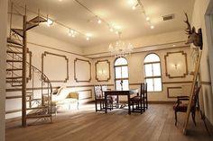 """ハルさん@トルテ on Twitter: """"びっくりするほどバズったのでおすすめスタジオ紹介しときます!  京都のアンティークな レンタルフォトスタジオ  「スタジオトルテ」 @studio_torte  「スタジオサイトル」 @studio_saitol… """" Oversized Mirror, Chandelier, Ceiling Lights, Studio, Furniture, Home Decor, Twitter, Candelabra, Decoration Home"""