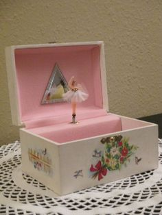 Vintage Musical Twirling Balleria Jewelry Box by HoneyCultVintage, $15.00