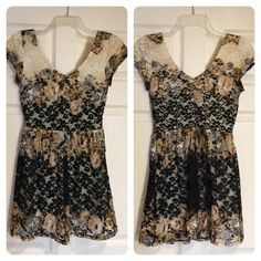 Topshop lace dress Pretty lace combo dress. Zipper, fitted waist. Full skirt. Topshop Dresses