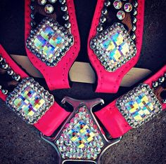 Deuces Wild cheetah and hot pink BLINGED OUT set! I think this is about the most perfect thing ever! Barrel Racing Saddles, Barrel Saddle, Barrel Racing Horses, Horse Gear, My Horse, Horse Riding, Tack Sets, Western Horse Tack, Horse Accessories