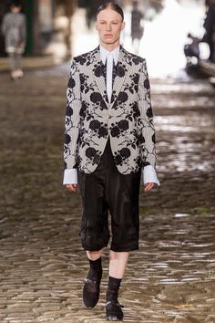 Alexander McQueen Spring 2014 Menswear Collection Slideshow on Style.com