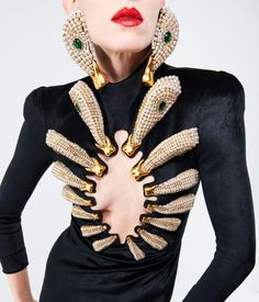 Schiaparelli's 2021 high jewellery collection launches at Paris Couture Week Fashion Show Collection, Jewelry Collection, World Of Wearable Art, Hi Fashion, Elsa Schiaparelli, High Jewelry, Jewellery, High Fashion Photography, How To Make Clothes