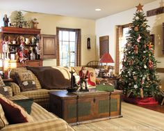 """From our November issue: In """"Pieces of the Past,"""" a Virginia vacation prompts a New Jersey couple to shift to a simpler decorating style, which they honor at Christmas with similarly subtle decor."""