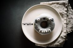 Totoro week continues with these black sesame Totoros! Be sure to check out Lyndsay's Totoro cake tutorial and my Totoro apple pie pancakes! Do you guys ever picture something coming out perfectly? Maybe this is a weird quirk of mine,...