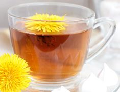 Remedies For Water Retention Bloating - Dandelion tea is a mild diuretic that will also help get rid of the water your body is holding onto. It stimulates bile to help break down fatty meals that also make you bloated. Try drinking one cup per day. Herbal Remedies, Health Remedies, Home Remedies, Health And Beauty Tips, Health And Wellness, Health Fitness, Health Care, Gut Health, Natural Cures