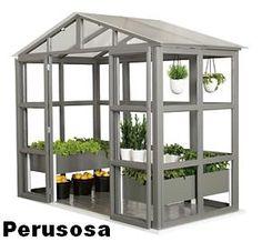 Garden villa UNO, DUE, DUE+, TRE+ Puinen kasvihuone / viherhuone / varastovaja... Garden Villa on juuri mitä sinä haluat sen olevan. Voit aloittaa Garden Villasi rakentamisen n. 3,3 neliöisellä peruskasvihuoneella, joka on kelpo viherhuone.Leveys 2548 mmPituus 1280 mmKorkeus 2270 mmIkkunat ovat kirkasta iskunkestävää akryyliä ja katto on tukevaa valoa läpäisevää kennolevy-katettaLisäosilla varustelemalla saat siitä juuri sellaisen kuin haluat.Huom! Kaikki puuosat ovat käsittelemätöntä puuta…