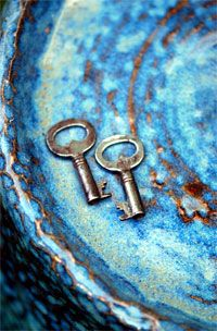 """""""It's a lot easier to be lost than found. It's the reason we're always searching and rarely discovered--so many locks not enough keys.""""    ― Sarah Dessen, Lock and Key"""