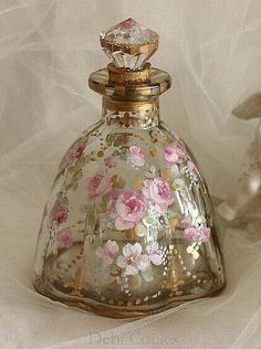 BEAUTIFUL SCENT BOTTLE!.