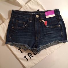 Mossimo High Waist Denim Shorts Love these shorts super cute and trendy! NWT! PRICE IS NOT FIRM OFFERS ACCEPTED UPON REQUEST... 100% Cotton Measurements: Waist: 14 Length: 10 Mossimo Supply Co. Shorts Jean Shorts