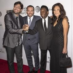 "♥ Lançamento do filme ""Pelé: Birth of a legend"" no Festival de Tribeca, em Nova York ♥ NY ♥  http://paulabarrozo.blogspot.com.br/2016/05/lancamento-do-filme-pele-birth-of.html"