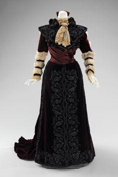Dress ca. 1890. Via The Met.