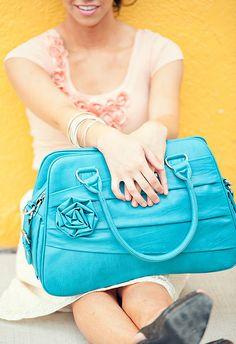 Jo Totes ladies camera bag giveaway ends 11/16/11