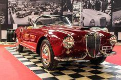 #Lancia #Aurelia #Spyder au salon Auto e Moto d'Epoca de Padoue Reportage : http://newsdanciennes.com/2015/10/27/grand-format-auto-e-moto-depoca-a-padoue/ #ClassicCar #Vintage #Voiture #Ancienne