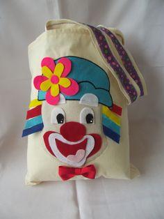 http://www.elo7.com.br/sacola-patati-patata-lembrancinhas/dp/30ED58#df=d&uso=o&pso=up&sgtbt=0&rk=0&sv=0