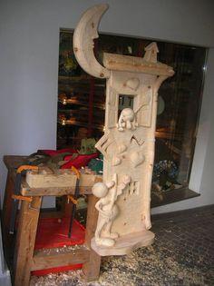 Una nuova bellissima scultura con le Formiche di fabio Vettori! #formiche #legno #scultura #Moena #scultori #innamorati #serenata #fabiovettori