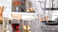 These amazing unbreakable wine and cocktail glasses allow you to enjoy your favorite wine anywhere, anytime, without having to worry about glass breakage.