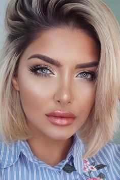 Nice 45 Best Natural Prom Make Up Ideas to Makes You Look Beautiful. More at http://aksahinjewelry.com/2017/09/05/45-best-natural-prom-make-ideas-makes-look-beautiful/