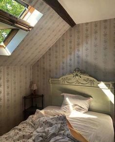 Room Ideas Bedroom, Bedroom Inspo, Bedroom Decor, Dream Rooms, Dream Bedroom, Pretty Room, Dream Apartment, Aesthetic Room Decor, Cool Rooms
