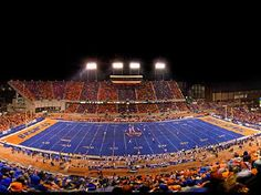 Loved running my track days on this field. Boise State Football, Boise State University, College Football, Boise Hotel, My Own Private Idaho, Outdoor Pictures, Boise Idaho, Alma Mater, Wyoming