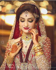 New Pakistani Bridal Hairstyles to Look Stunning Pakistan Bride, Pakistan Wedding, Mehndi, Henna, Pakistani Bridal Makeup, Pakistani Wedding Outfits, Asian Bridal Dresses, Bridal Outfits, Wedding Dresses