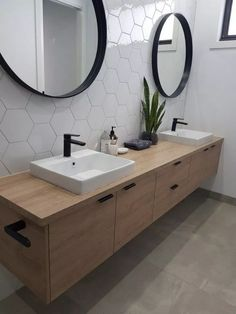 Home Interior Modern Downstairs bathroom idea - single sink though.Home Interior Modern Downstairs bathroom idea - single sink though Bathroom Inspiration, Bathroom Mirror Design, Bathroom Interior, Small Bathroom Makeover, Trendy Bathroom, Contemporary Bathroom Tiles, Modern Bathroom Tile, Farmhouse Bathroom Mirrors, Tile Bathroom